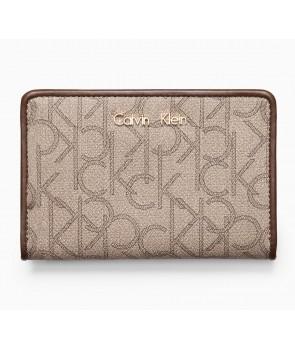 Calvin Klein dámská peněženka Sadie embossed logo modrá